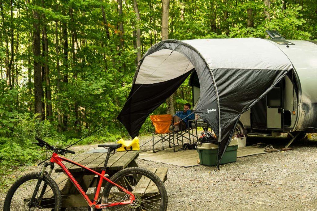 Notre emplacement au Camping Le Bouleau au Lac Fraser