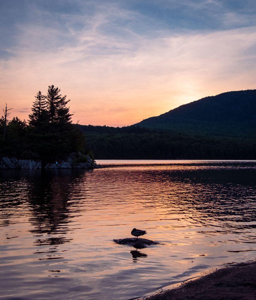 Levé de soleil sur le lac Stukely